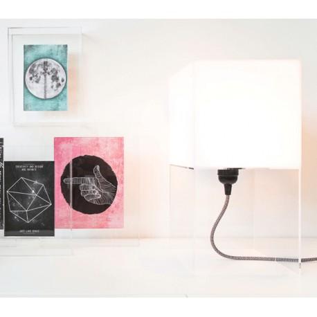 Biała lampa stołowa PLEXI M - HK Living