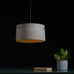 Oryginalna lampa wisząca z betonowym kloszem