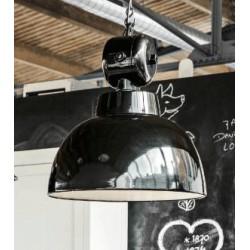Czarna lampa Factory w stylu fabrycznym projektu marki HK