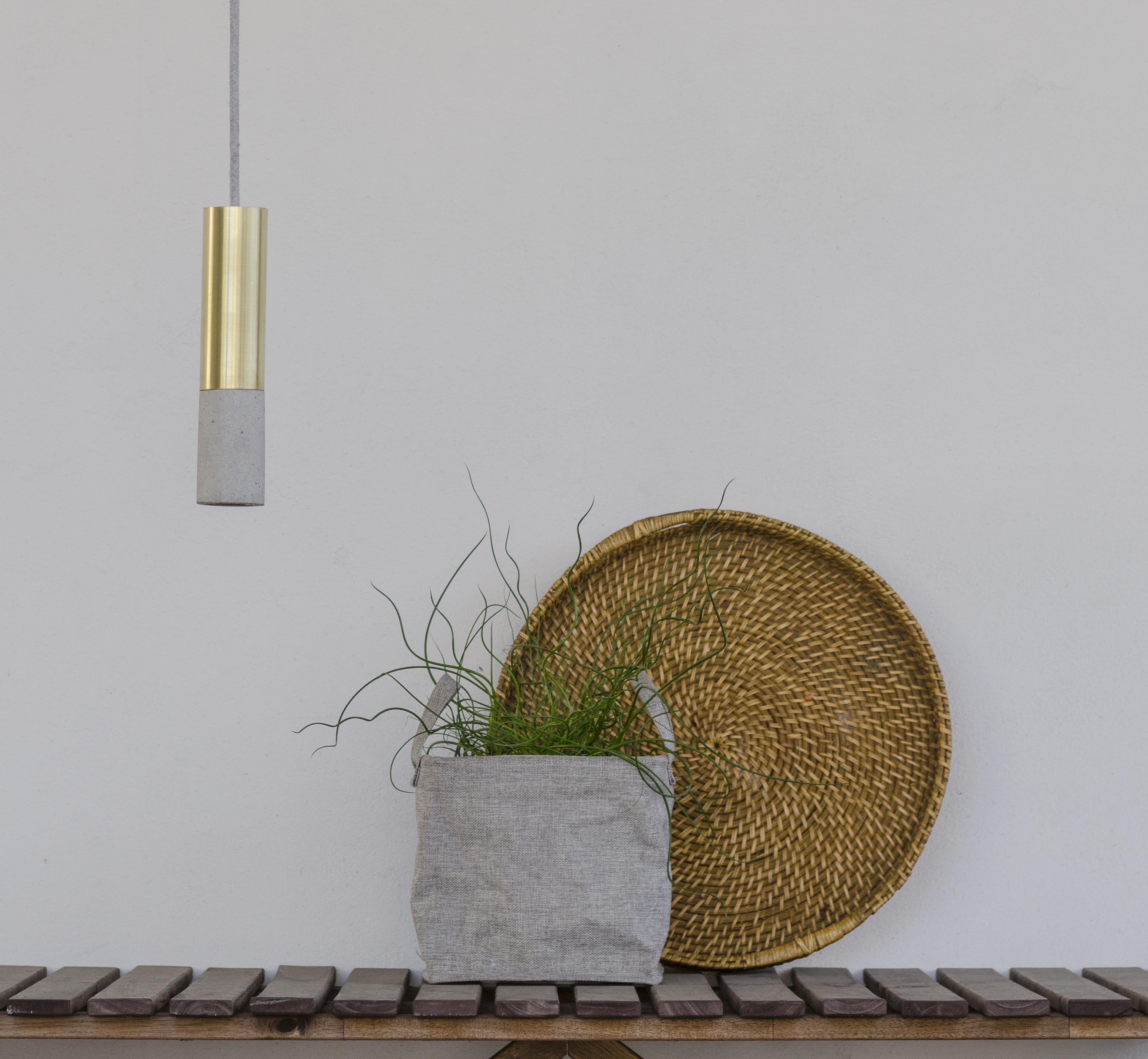 Metalowo-betonowa lampa KALLA