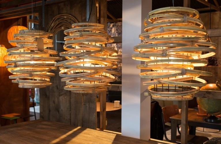 Drewniane lampy wiszące