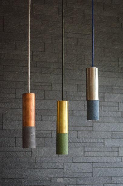 Ciekawe lampy betonowe - kolorowe